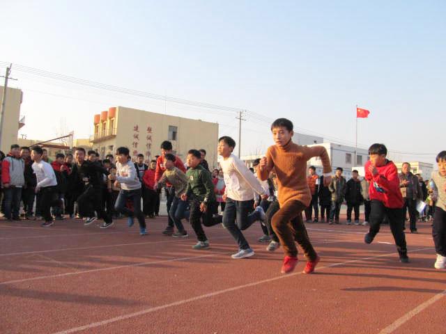新沂市第六中学冬季三项之师生长跑比赛圆满落下帷幕