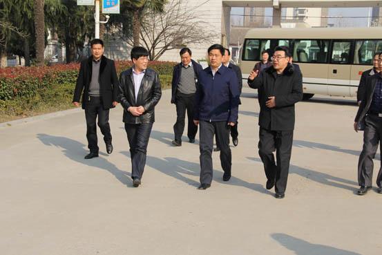 陈堂清市长莅临新沂中专视察工作